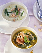 Kohlrabi soup with prawns and curry-spinach soup with smoked salmon