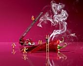 Feueralarm: Chilischoten mit Rauch und Spielzeugfeuerwehr