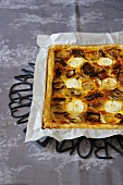 Onion cake with goat's cheese
