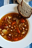 Chickpea soup with bread