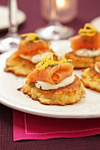 Potato cakes with sour cream and smoked salmon