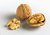 Walnuts: whole and halved with shells