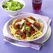 Pasta al ragù di polpettine (Meatballs with spaghetti)