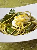 Green spaghetti with spinach and lemon feta cream