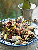 Artichoke salad with dried tomatoes