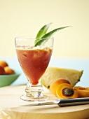 Ananas-Aprikosen-Drink