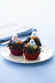 Cup Cakes zu Ostern mit Osternest-Dekoration