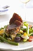 Salade niçoise with fried tuna