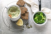 Broccoli spread with capers and olives
