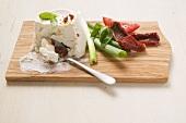Ricotta, Frühlingszwiebel, Basilikum und getrocknete Tomaten