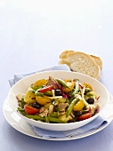 Salade niçoise with white bread