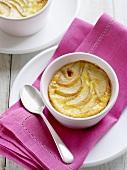 In Vanillecreme gebackene Birnen