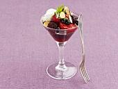 Berry salad with yoghurt sauce