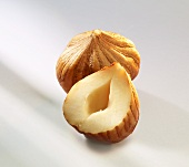 Shelled hazelnuts (close-up)