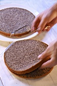 Splitting a poppy seed cake