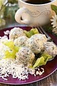 Veal meatballs with dill sauce and rice