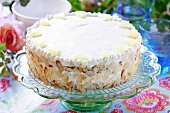 Pineapple cake with flaked almonds