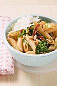 Penne al pomodoro secco (Pasta with dried tomatoes & pine nuts)