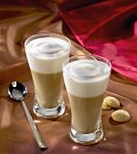 Cafe Crema mit Amaretti