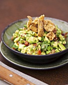 Guacamole with fried pork rind (Chicharrones)