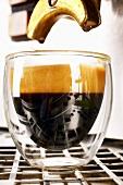 Ein Espresso in einem Glas