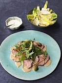 Caesars Salad mit Hähnchenbrust & Kalbsfilet mit Thunfisch-Dressing