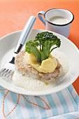 Escalope in cream sauce with broccoli