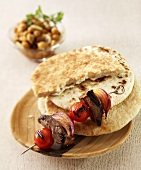 Lamb heart kebab with flatbread