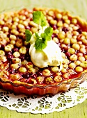 Gooseberry tart with cream