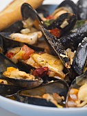 Cozze alla barese (Mussels in wine & vegetable broth, Italy)