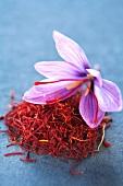 Crocus and saffron threads