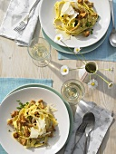Tagliatelle with chanterelles (overhead view)