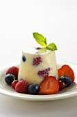 Vanilla blancmange with fresh berries
