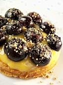 Blueberry cake with vanilla cream