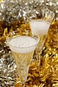 Two glasses of champagne (Christmas)
