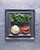 Crabmeat, pink grapefruit and salad