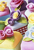 Marzipan cakes with sugar flowers