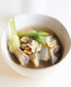 Chicken broth with spring onions, oyster mushrooms & garlic