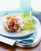 Baked Potato mit Käse-, Schinken- und Krautfüllungen