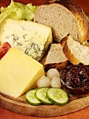 Ploughman's lunch (Cheese, pickles, chutney and bread)