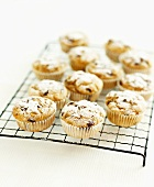 Low-calorie banana & chocolate chip muffins