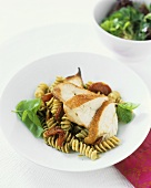 Chicken breast with wholemeal spiral pasta and pesto