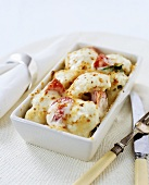 Cauliflower & tomato gratin with cheese sauce (ready meal)