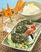 Grilled chicken breasts with coriander and pepper crust