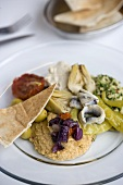 Meze (Plate of Middle Eastern appetisers)