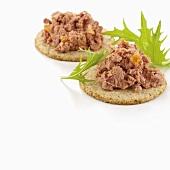 Pheasant pâté on crackers