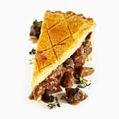 Steak and mushroom pie (UK)