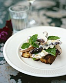 Portabella mushroom with crème fraîche and toast