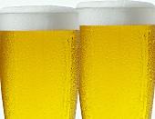 Zwei Bier im Glas
