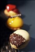 Mini-doughnut with custard, fruit tarts